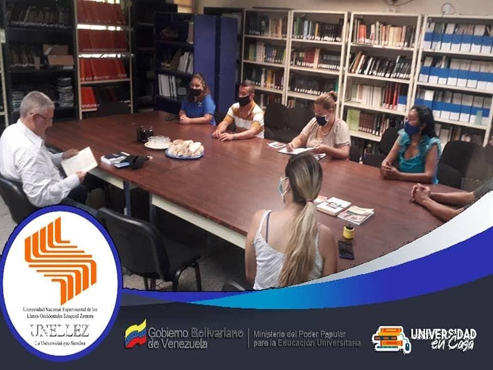 Compartir literario en el VIPI