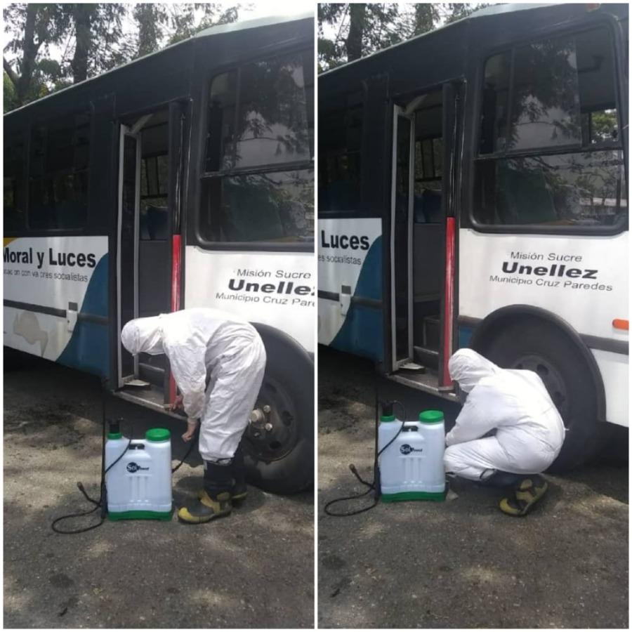 Coordinación de Transporte Estudiantil avanza en mantenimiento de unidades en los cuatro Vicerrectorados